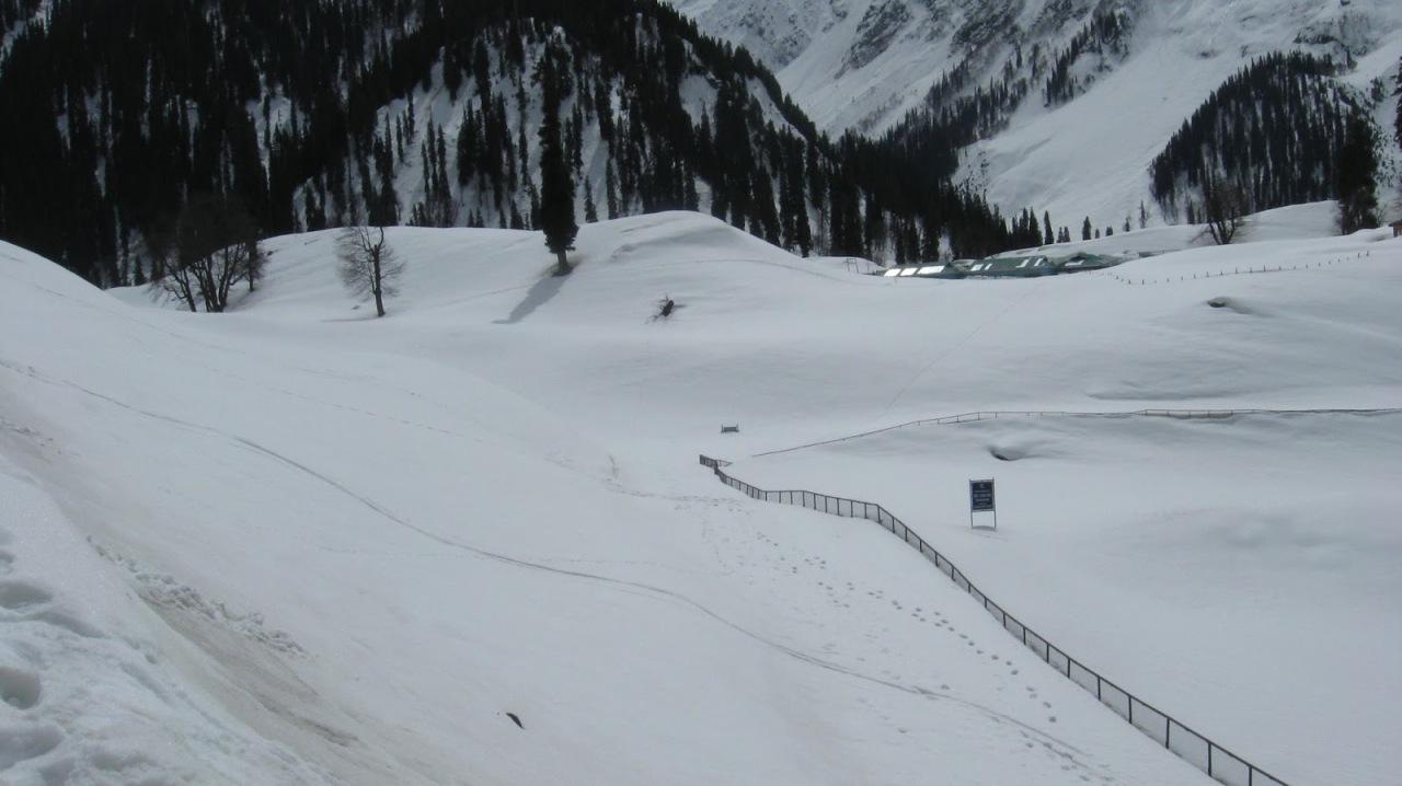 Kashmir – Sonamarg Valley in March & August –P2