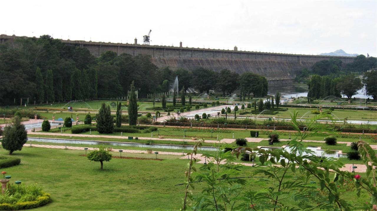 Mysore – KRS Dam – Brindavan Gardens – Giant Bull(Nandi) – ChamundiHills