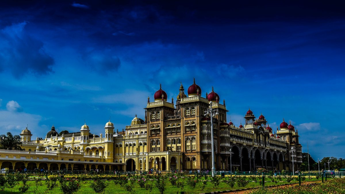 Mysore Palace and Its Facts - Believe it or Not !!!!!!
